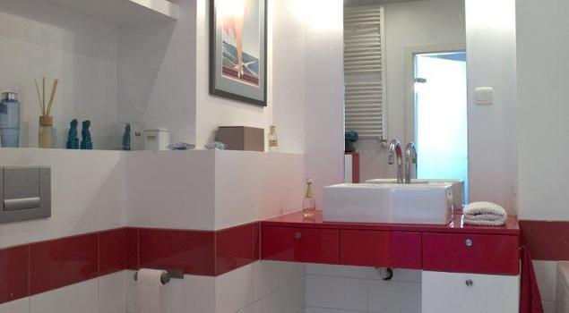 Nowoczesna łazienka Biało Czerwone Meble łazienkowe Strona 5