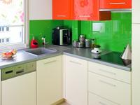 Kolorowy wystrój wnętrz. Nie tylko białe meble kuchenne