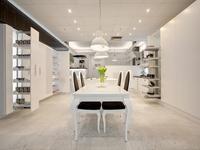 Kuchenne systemy meblowe w nowym showroomie firmy PEKA