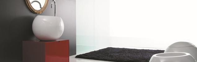 Zaskakujący design ceramiki łazienkowej – łazienka poza schematem według Disegno
