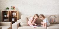 Nowoczesna sofa do salonu – sofa dla rodziny z dziećmi